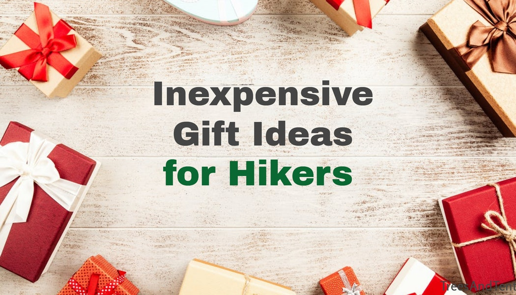 Gift guide with inexpensive gift ideas for hikers